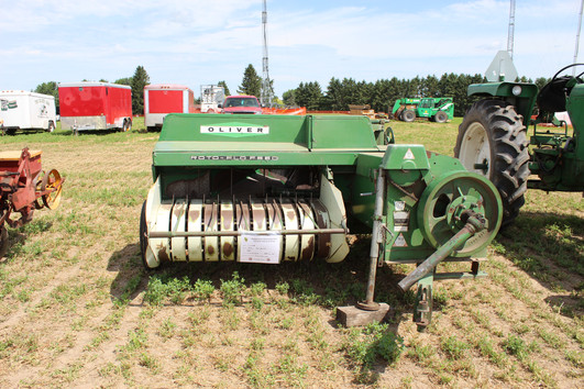 Tim Stecker's 520 Hay Baler.JPG
