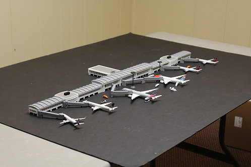 1/400 Scale Custom T-Shaped ModelAirport Terminal #910