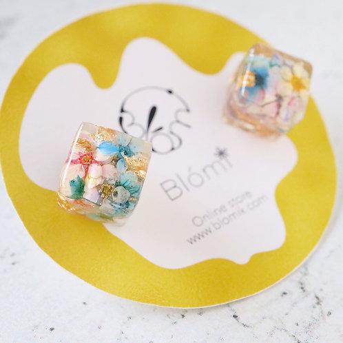 Reeves spirea cube earrings | closeup