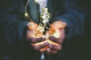 Man holding lightblulb