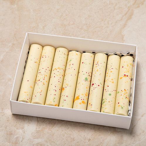 סניקרס שוקולד לבן וקרמל מלוח - אריזה של 8 יחידות