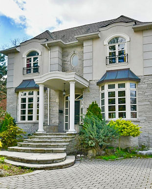Tania Petrak house for sale in Toronto.j