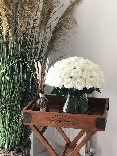 PRETTY Rose Jar White