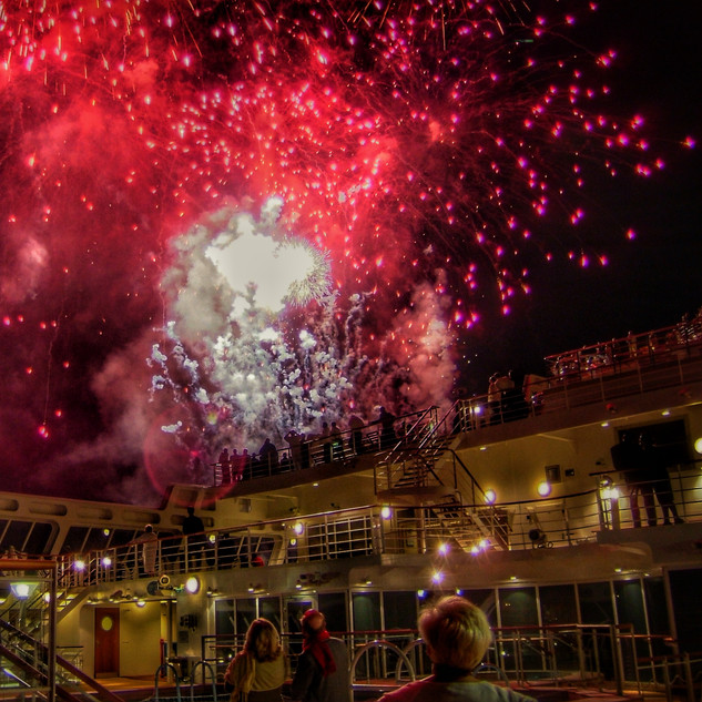 Celebrations as QM2 leaves Southampton for the first time.