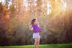 Autumn_Little_girls_510250.jpg