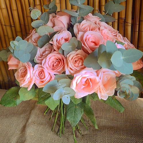 Buque G com 20 rosas chá
