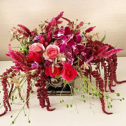 Arranjo M com flores nobres e sementes tonalidade a escolher