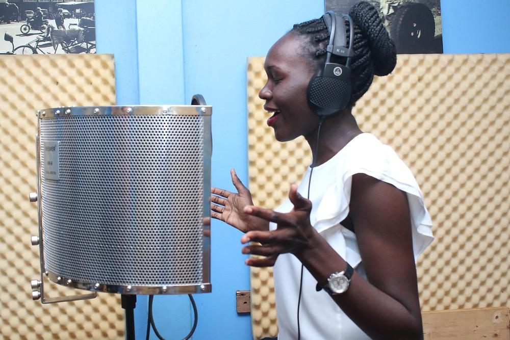 Joan singing