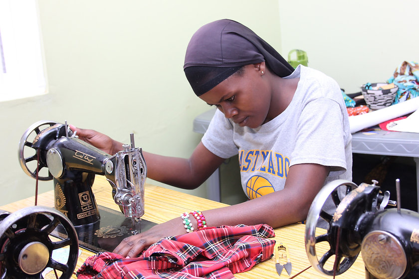 Best - Zaina on a sewing (1)-min.JPG