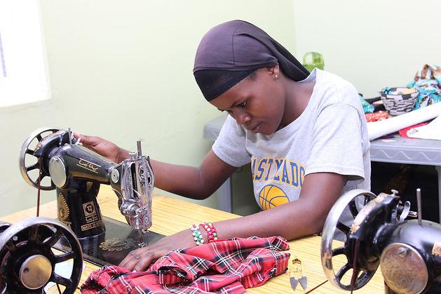 Best - Zaina on a sewing (2)-min.JPG