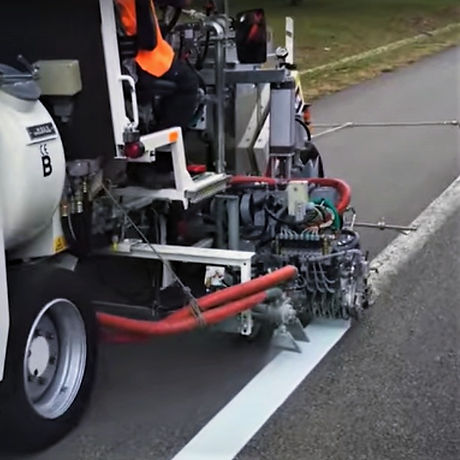 2019-10-23_10_52_59-HOFMANN_H33-3_Straßenmarkiermaschine_-_Roadmarking_Machine_-_YouTube_edited.jpg