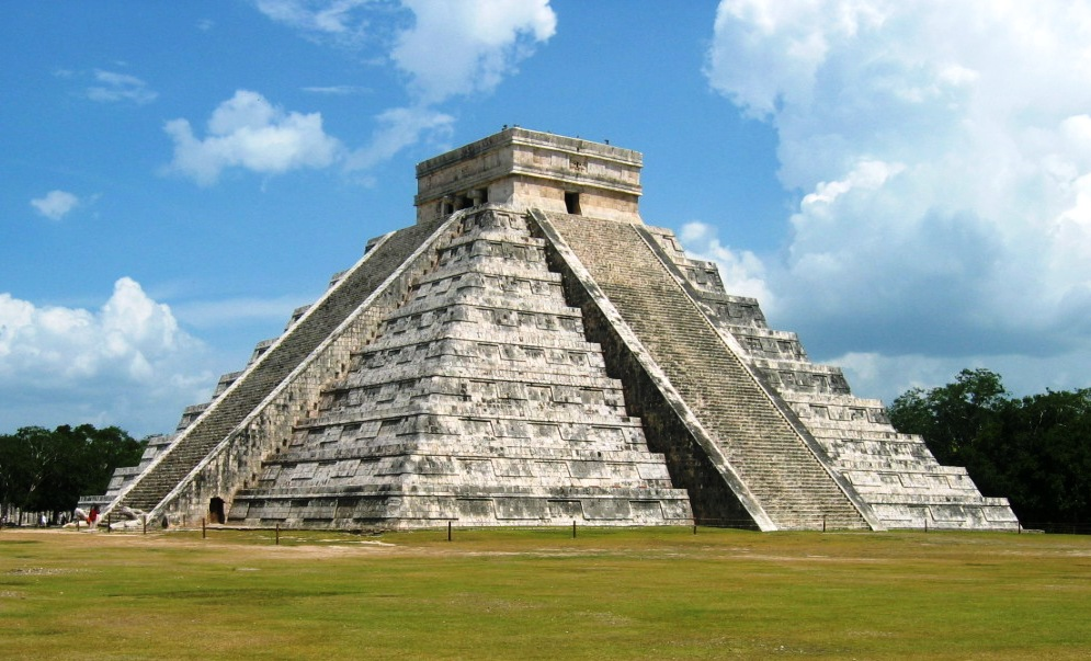 kukulcan-the-main-temple-at-chichen-itza[1]