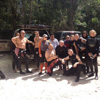 group cenote diving.jpg