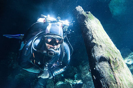 exclusive cenote diving in mexico