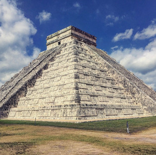 Pyramid in chichen itza