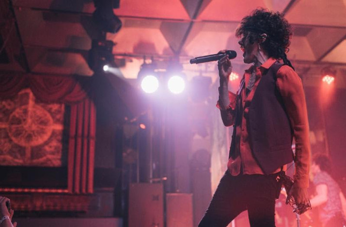 """ROLLING STONE MÉXICO PREMIERES LIVE PERFORMANCE VIDEO OF """"GIRLS GO WILD"""" FROM LP"""