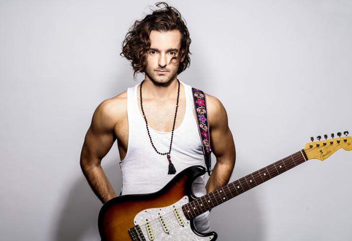 Nea Agostini - Promesa Del Pop-Rock Latinoamericano