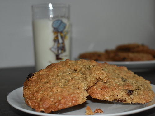 Yummy Oat and Sultana Cookies