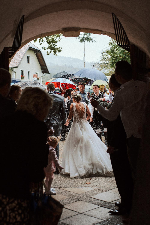 poroka in dež