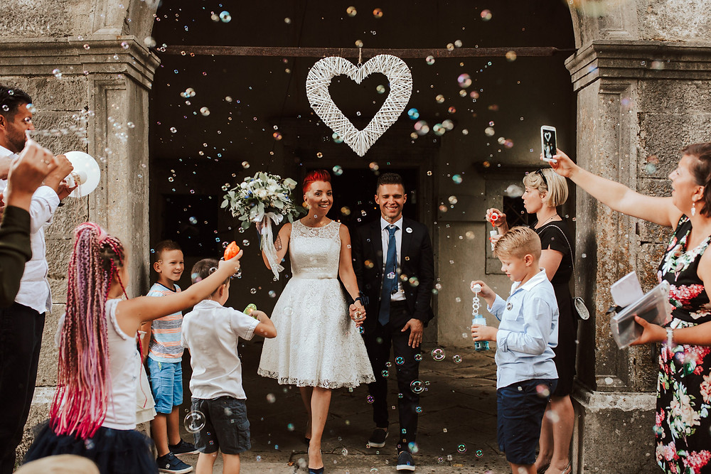 izhod iz cerkve, poroka