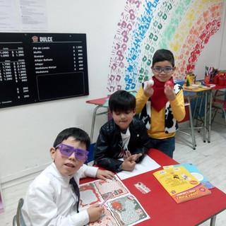 Jugando con Comics en RestoComic en Huepil Afterschool