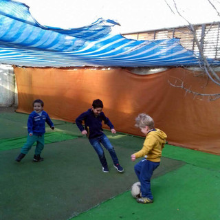 Juego libre en patio en Huepil Afterschool