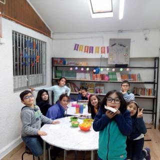 Colación compartida en cumpleaños en Huepil Afterschool