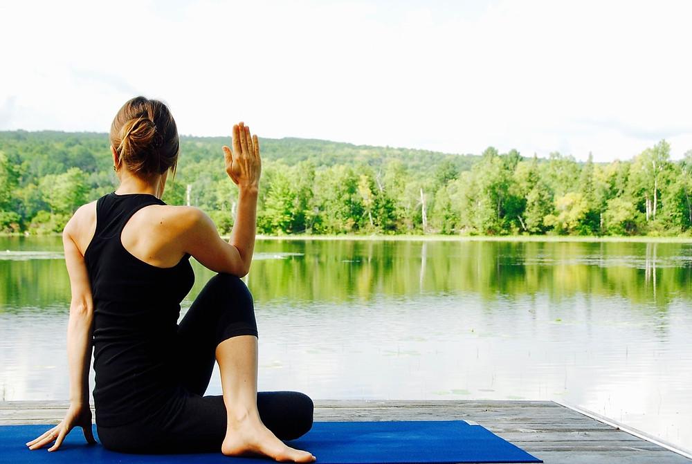 Relaxation en musique, écouter de la harpe en méditant. et pourquoi pas au bord d'un lac ?