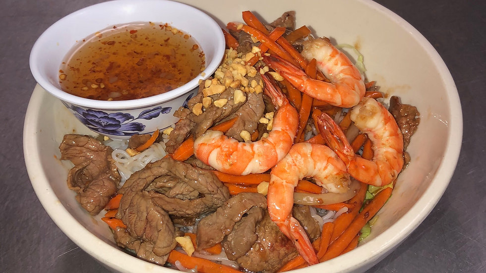 115. Rice Vermicelli with Beef, Shrimp & Fresh Vegetables