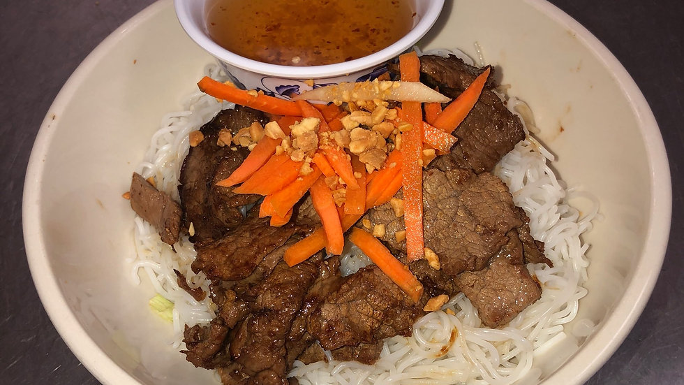 107. Rice Vermicelli with Grilled Beef & Fresh Vegetables