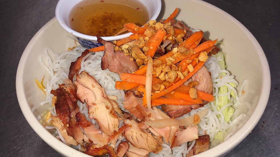 118. Rice Vermicelli with Grilled Chicken & Vegetables
