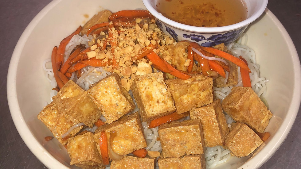 116. Rice Vermicelli with Stir Fried Tofu & Vegetables