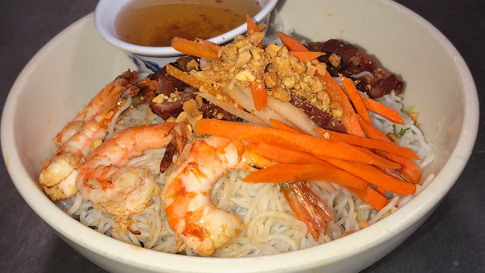 110. Rice Vermicelli with grilled pork, shrimp & fresh vegetables