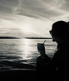 Julie et le fleuve.jpeg