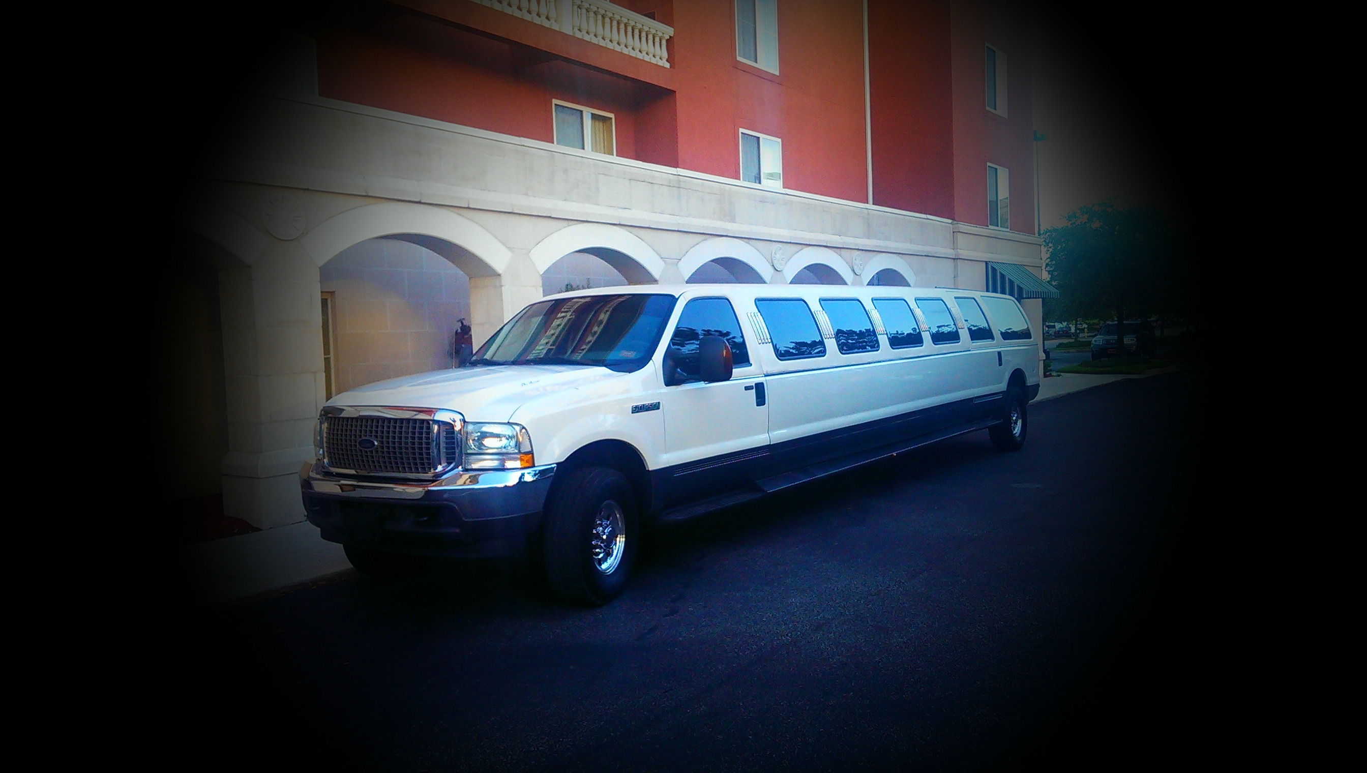 Excursion - River City Limos