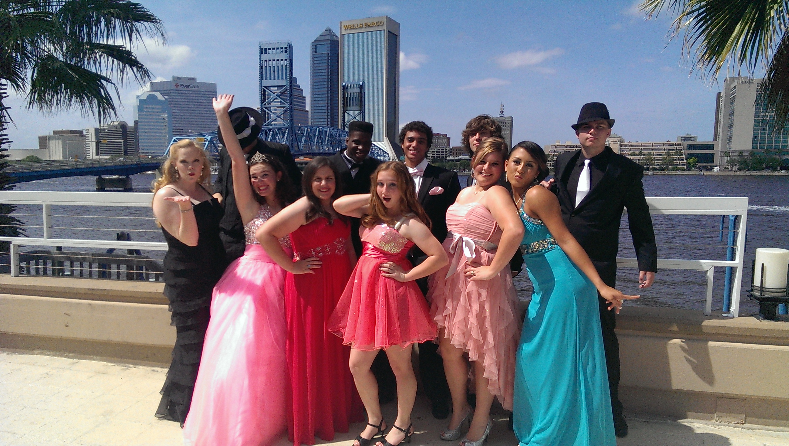 Prom - River City Limos