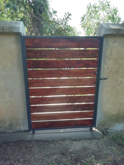 Wood & Steel Structure Gate