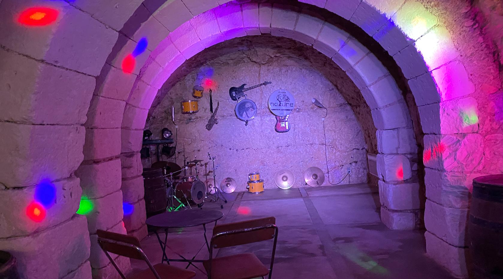 Cave Disco idéal pour une votre soiree privée