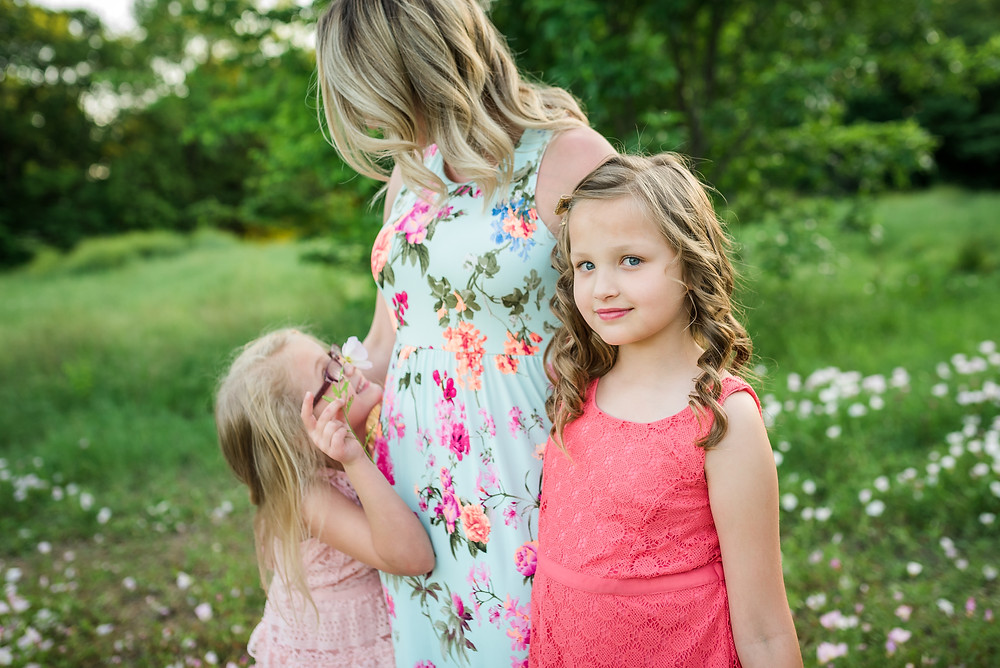 mom and daughters, siblings, Fort Worth family photography, Trophy Club photographer