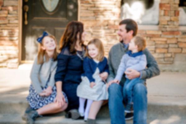 urban family photo downtown Roanoke