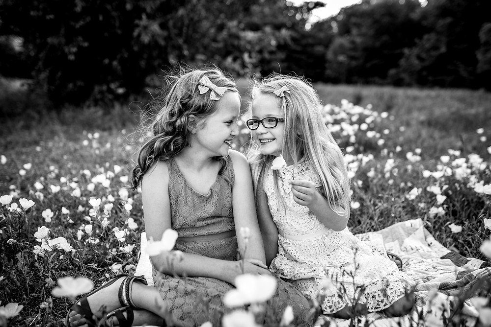 sisters, wildflowers, Fort Worth family photographer, Trophy Club