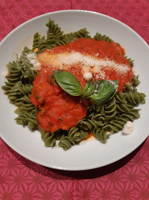 Fusilli Spinat mit Tomatensauce im Mehrwegglas