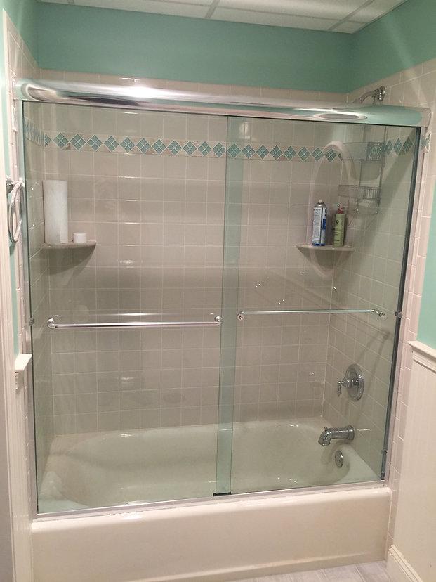 Semi Frameless sliding Shower Doorss