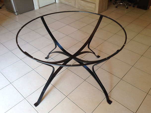 Pieds de table ronde en fer forgé.jpg