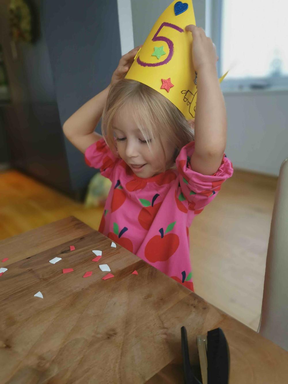 Katharina rührt, Weltraum Geburtstag, Planeten Einladung