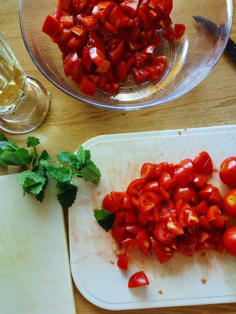 Zucchinipasta, Zucchinischwemme, Nudeln mit Zucchini und Tomaten