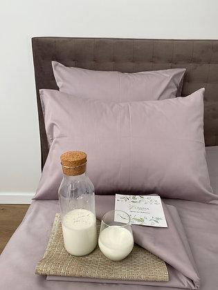 Лаконичное однотонное постельное бельё в цвете тауп