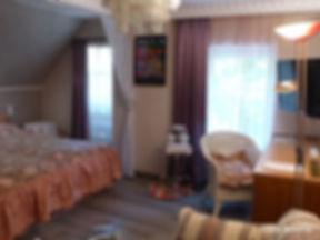 Hundertwasser-Zimmer 01.jpg