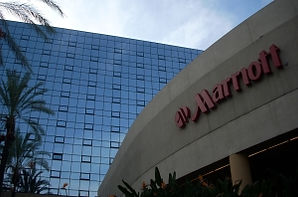 marriott_milano_blackpearl-300x198.jpg