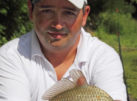 Csónakos feederezés a Tiszán